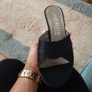 Brand New Vintage Anne Klein Slides